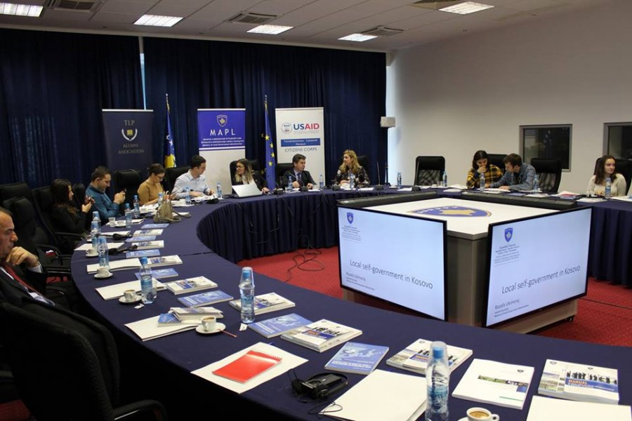 Discussion abut the local self-government system in Kosovo